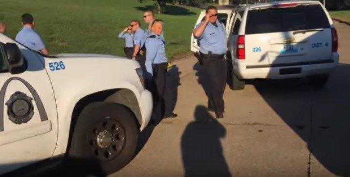 集まった警官たち