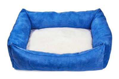 清潔な犬用ベッド