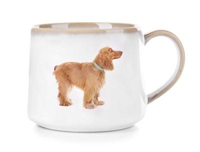 犬の写真がプリントされたマグカップ