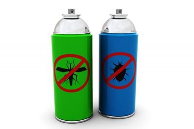 二種類の殺虫剤のスプレー