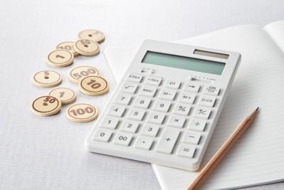 計算機とお金のモチーフ