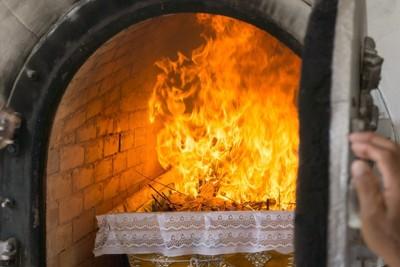 火葬炉の中