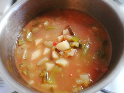 柔らかく煮えた野菜
