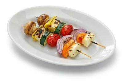 竹串に刺さった野菜