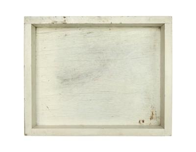 白っぽい木箱のトレー