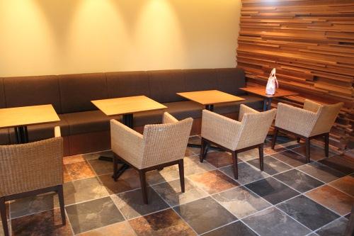 G Cafeのテーブル席