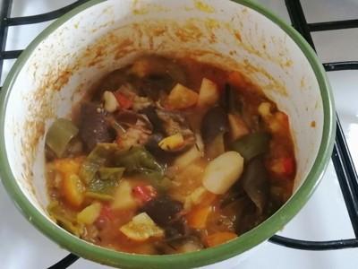 鍋の中の野菜