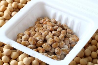 納豆のパックと大豆