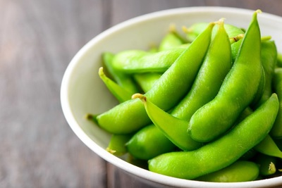 お皿に入った枝豆
