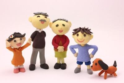 マスコット 家族4人と犬 背景薄ピンク