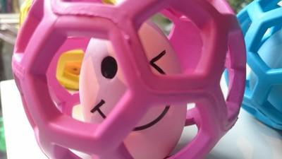 ピンクのホーリーローラーの中にピンクのたまごちゃん
