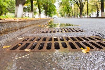 道端の排水溝