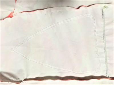 △の線がある白い生地