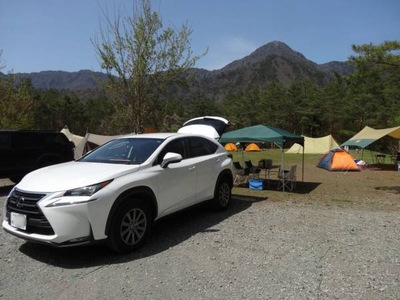 車とテント