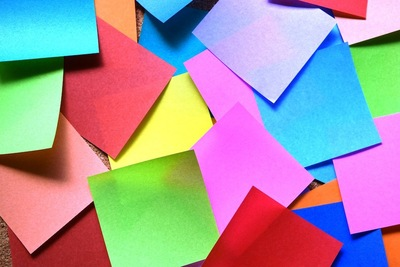カラフルな色の折り紙
