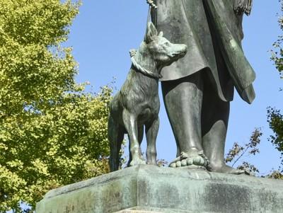 西郷隆盛の愛犬の銅像