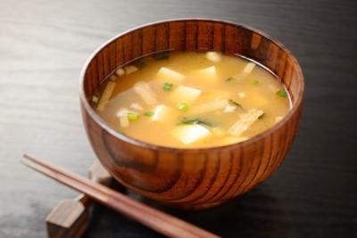 お箸と味噌汁
