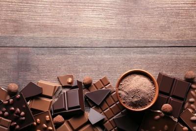 チョコレートとココアパウダー