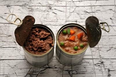 犬用の缶詰