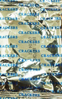クラッカーの袋