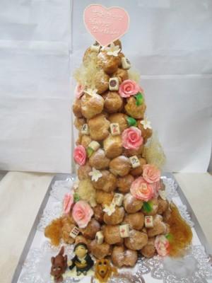 タワーのようなケーキ