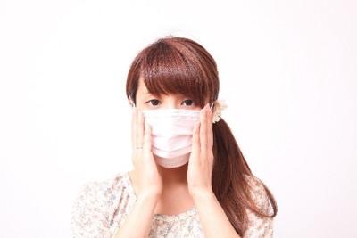 マスクをした人