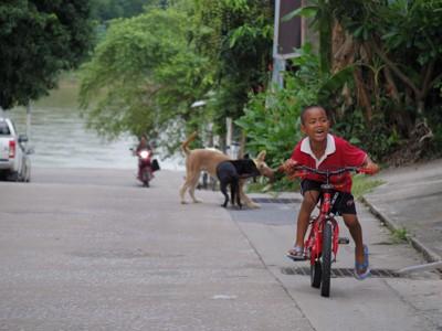 タイ・チェンライの路上にて