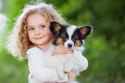子犬と飼い主