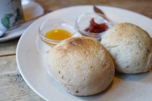 カフェポテリの自家製パン