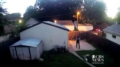 防犯カメラが捉えた裏庭の画像