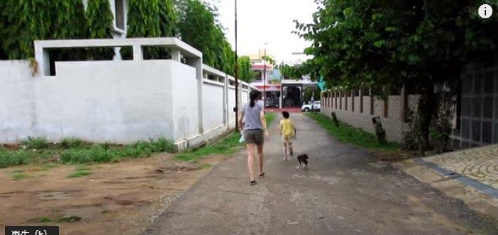 隣人と子犬
