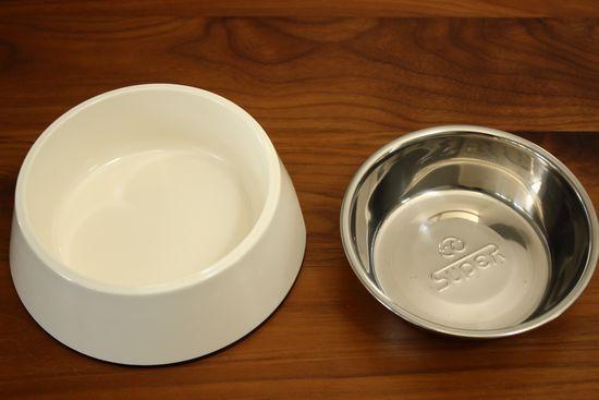 エサ・水容器