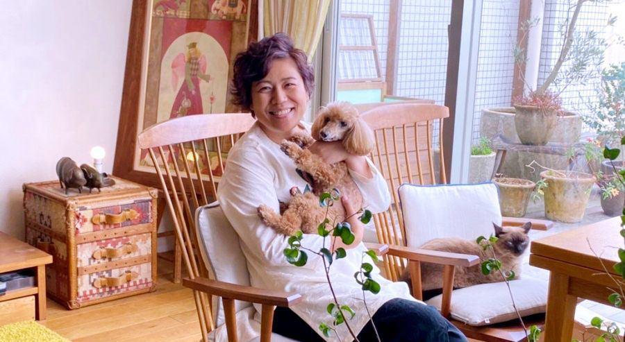 <青木さやかさんインタビュー>犬猫の里親になること「自分の目で見て、その動物と触れ合って欲しい」 | わんちゃんホンポ